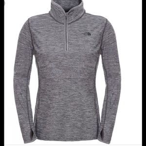 The North Face 1/2 ZIP Motivation Pullover Gray